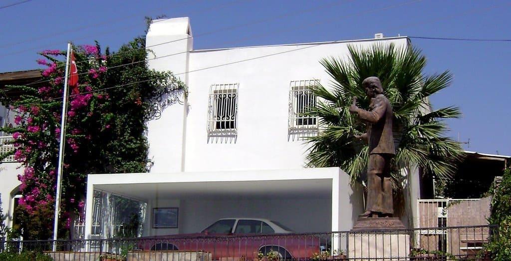 Музей Зеки Мюрена в Бодруме
